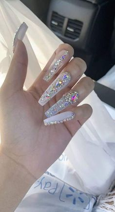 Bling Acrylic Nails, White Coffin Nails, White Acrylic Nails, Aycrlic Nails, Summer Acrylic Nails, Best Acrylic Nails, Coffin Nails Long, Rhinestone Nails, Bling Nails