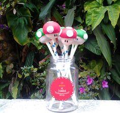 Cakepops Cogumelo (Mario) - Cheirinho de Comida ateliecheirinhodecomida.blogspot.com.br  Atendemos: Poá | Suzano | Itaquaquecetuba | Mogi das Cruzes | Ferraz de Vasconcelos | São Paulo