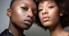Auch unser Make-up unterliegt mit jeder Saison wieder neuen Trends. Welche Looks jetzt im Frühling in sind und welche out, auf Elle.de! Liquid Makeup, Skin Makeup, Now And Forever, Beauty Industry, Beauty Blender, Hair Journey, Huda Beauty, Your Skin, Natural Hair Styles