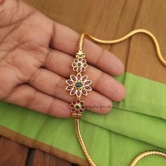 Gold Chain Design, Gold Jewellery Design, Ear Jewelry, Diamond Jewelry, Jewelery, Jewelry Accessories, Indian Jewelry Sets, India Jewelry, Gold Bracelet For Women