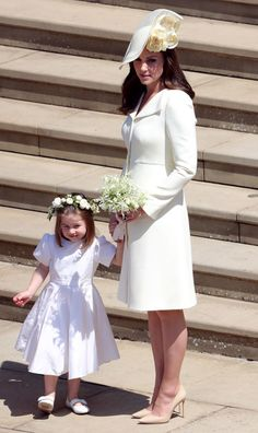 Catherine, Duchess of Cambridge wearing Alexander McQueen at Prince Harry & Meghan Markle's Royal Wedding in Windsor Princesa Kate Middleton, Vestido Kate Middleton, Moda Kate Middleton, Looks Kate Middleton, Kate Middleton Interview, Kate Middleton Daily Mail, Prince Harry Kate Middleton, Kate Middleton Family, Kate Middleton Wedding Dress