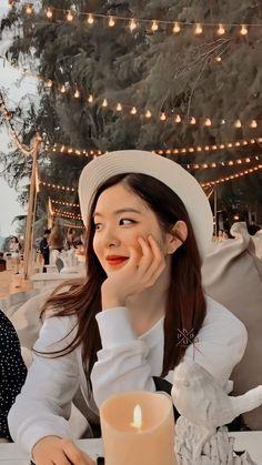 Discover recipes, home ideas, style inspiration and other ideas to try. Red Velvet Joy, Red Velvet Irene, Pink Velvet, Seulgi, Kpop Girl Groups, Kpop Girls, Korean Girl, Asian Girl, People
