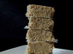 Zdrowo Zakręcona: Zdrowa chałwa słonecznikowa. Tylko 3 składniki! Krispie Treats, Rice Krispies, Desserts, Food, Tailgate Desserts, Deserts, Essen, Postres, Meals
