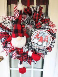 Christmas Wreaths For Front Door, Summer Door Wreaths, Christmas Mantels, Christmas Ribbon, Holiday Wreaths, Winter Wreaths, Christmas Gifts, Snowman Decorations, Christmas Decorations