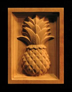 Wood Carved Corner Block - Classic Pineapple
