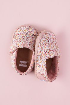 efd813fc653 Pink floral TOMS Crib Shoes for your little one.