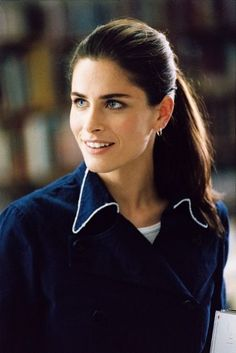 |brows and high pony| Amanda Peet in A Lot Like Love (2005)