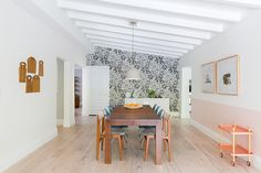 Dine In Style - A Miami Home That Effortlessly Fuses Minimalism And Color - Photos Wall Carpet, Bedroom Carpet, Grey Carpet, Shag Carpet, Dining Nook, Dining Table, Staircase Carpet Runner, Toddler Table And Chairs, Miami Houses