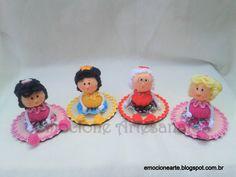 Mini boneca de feltro