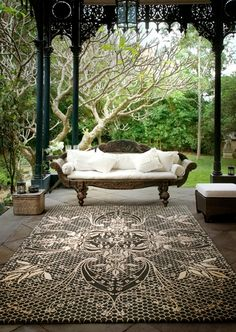 There are many ideas to create beautiful outdoor spaces for you and your family hang out. Check ways to improve your patio, garden or backyard. Outdoor Rooms, Outdoor Gardens, Outdoor Living, Outdoor Decor, Outdoor Kitchens, Indoor Gardening, Outdoor Seating, Asian Home Decor, Outside Living