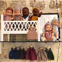 Vu sur Instagram [@papiermacheparis] nos poupées Paola Reina Gordis habillées par Minikane... #papiermacheparis #poupeepaolareina #poupeegordis #poupeeminikane #collectionminikane