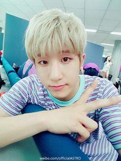 Omg.. handsome jinwo