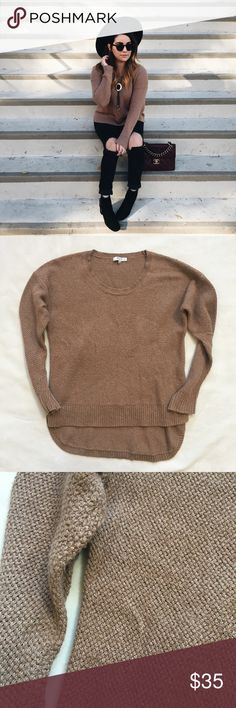 Madewell high low sweater Cotton blend sweater. Super comfy and cozy. Light pilling but nothing noticeable while wearing. Madewell Sweaters Crew & Scoop Necks