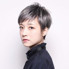 Hairstyles Over 50, Pixie Hairstyles, Short Hairstyles For Women, Cool Hairstyles, Japanese Short Hair, Japanese Hairstyle, Grey Hair Over 50, Ash Hair, Shot Hair Styles