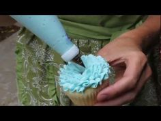 Another pretty and easy cupcake frosting technique using Wilton 104 tip.