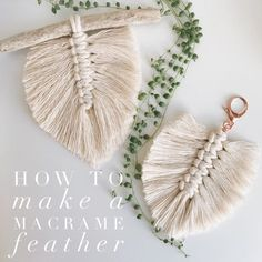 How to make a Macrame Feather I specially love making these macrame feathers because I can use all the string scraps from my larger macrame pieces. Would you like to learn how to make one? Macrame Wall Hanging Patterns, Macrame Art, Macrame Design, Macrame Projects, Macrame Jewelry, How To Macrame, Free Macrame Patterns, Yarn Crafts, Fabric Crafts