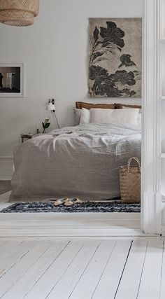 Cozy and characterful home - Bedroom Decor - Minimalist Bedroom, Minimalist Decor, Home Design, Home Interior Design, Design Blog, Bedroom Styles, Home Decor Bedroom, Bedroom Rustic, Bedroom Vintage