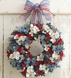 This is the classiest patriotic wreath I have ever seen. Replace sheer ribbon/bow at the top with single wide ribbon and a big hook and it is perfect! Patriotic Wreath, Patriotic Crafts, July Crafts, 4th Of July Wreath, Holiday Wreaths, Holiday Crafts, 4th Of July Decorations, Holiday Decorations, Wreath Crafts