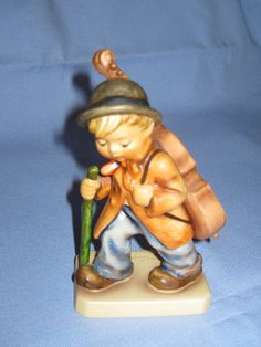 Hummel Little Cellist Figurine TMK5 89/I Available In Store Today @