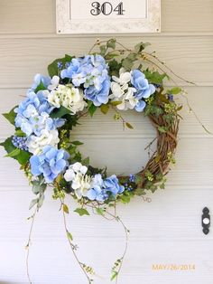 Blue Hydrangea wreath - Spring wreaths - wreaths - Easter Wreath - Summer Wreath - Front door decor - Wedding Wreath