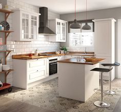 Browse photos of Small kitchen designs. Discover inspiration for your Small kitchen remodel or upgrade with ideas for organization, layout and decor. Rustic Kitchen, Country Kitchen, Diy Kitchen, Kitchen Decor, Kitchen Small, Condo Kitchen, Kitchen Tiles, Kitchen Layout, Kitchen Flooring