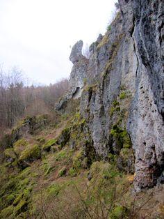 1. Erkundungstour am 20.04.13 zum Höhlenlauf. Mehr dazu: http://trampelpfad.net