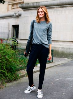 40 ideas how to wear adidas sneakers street style outfit Sporty Chic, Casual Chic, Look Fashion, Fashion Outfits, Net Fashion, Paris Fashion, Daily Fashion, Fashion Photo, Fashion Brand