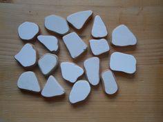 Genuine Sea pottery, beach pottery shards,white sea pottery,art,crafting, jewelry,collectible  17 pieces   lotto247 di lepropostedimari su Etsy