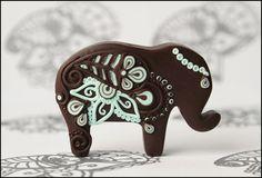 Indian elephant brooch, originally from http://www.knivirtuve.lv/