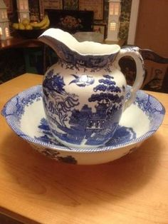 Antique Blue Willow Bowl And Pitcher Set Blue Willow China, Blue And White China, Love Blue, Picture Frame Molding, Willow Pattern, White Dishes, Blue Rooms, Vintage Dishes, White Porcelain