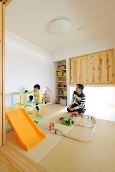 【アイジースタイルハウス】畳・和室。畳スペースの奥には秘密の部屋☆