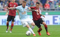 De huur van de Deense middenvelder Niki Zimling naar Ajax is bevestigd door Ajax. In deze huurovereenkomst is een optie tot koop opgenomen.