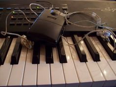 My inears are all over my keyboard! I think they're in love :) Piano Art, Computer Mouse, Keyboard, Music, Diy, Pianos, Pc Mouse, Musica, Musik