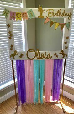 51 New ideas for baby shower photo booth frame diy etsy Unicorn Themed Birthday, Birthday Diy, First Birthday Parties, Girl Birthday, Birthday Ideas, Birthday Pictures, Baby Pictures, Photo Booth Anniversaire, Photo Booth Frame
