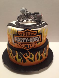 Harley Davidson Cake, Awesome! Have your cake and eat it too, with plexus Slim & Accelerator. www.thinagain.myplexusproducts.com Cute Cakes, Pretty Cakes, Beautiful Cakes, Amazing Cakes, Harley Davidson Cake, Harley Davidson Birthday, Unique Cakes, Creative Cakes, Motorcycle Cake