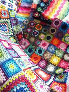 Granny squares ... beautiful #crochet patterns