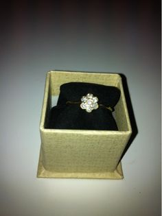 Hug O War joeschmoeの花の形のダイヤリング ハグオーワー アンティーク インテリア 雑貨 家具 Antique ¥17000yen 〆06月22日
