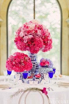 Full Bloom |Blue and white chinoiserie porcelain pairs beautifully with hot pink blooms in this styled shoot|  Photography by: Artiese Studios