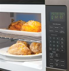 This large-capacity GE Over-the-Range Sensor Microwave Oven is a perfectly designed addition to help elevate any kitchen with Slate style and GE innovation.
