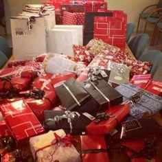 Instagram photo by @alesundstorsenter (alesundstorsenter) #christmas #gifts #tree
