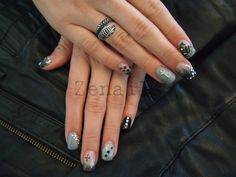 Stones Professional Nail Art, How To Do Nails, Gel Nails, Class Ring, Finger, Stones, Craft Ideas, Crafts, Gel Nail