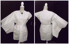 Kimono clásico de corte rectilíneo.