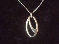Ortak Malcolm Gray Scottish sterling silver pendant & chain necklace