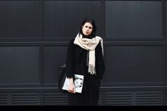 Elisa from the Fashion- and Lifestyleblog www.schwarzersamt.com is wearing a black coat from H&M, neopren pants from ASOS, business shoes from ZARA, a turle neck pullover from funktionschnitt and a nude scarf. It's a minimal und clean allblack look with nude accents, perfect for wearing it as a business outfit with a modern twist