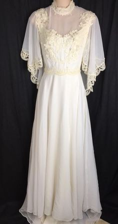 Beautiful Vintage 70/'s Handmade Wedding Gown Lace Removable Train White Long Sleeve Shirt Collar Dress Bridal Bow Empire Waist XS 4 S Small