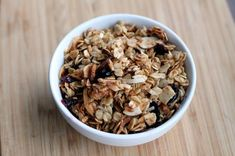 IC Friendly Good Morning Granola It's been a while, let's do breakfast this week! Ingredients: 3 cups old-fashioned rolled oats 1 cup sliced almonds cup (no additives) shredded sweetened coconut 2 tablespoons wheat… Ic Recipes, Cereal Recipes, Pork Recipes, Gourmet Recipes, Healthy Recipes, Interstitial Cystitis Diet, Easy Granola Recipe, Agave, Homemade Cereal