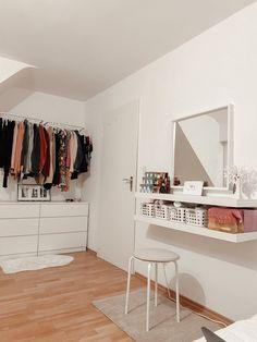 Room Design Bedroom, Room Ideas Bedroom, Small Room Bedroom, Home Decor Bedroom, Minimalist Room, Cute Room Decor, Aesthetic Room Decor, Apartment Interior, Dream Rooms