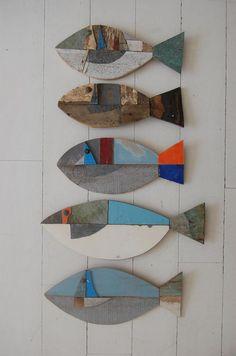 Povídání o bílé paní | Hlavní diskuse | diskuse | Fler.cz Fish Sculpture, Wood Sculpture, Wooden Fish, Wooden Art, Driftwood Fish, Madeira E Metal, Beach Crafts, Fish Crafts, Fish Art