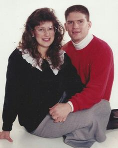 TBT: Gil and Kelly Bates. Wow, I thought of Gil and Kelly's sons, Zach looked the most like their dad. But in this picture, there is NO QUESTION where Nathan gets his looks! Kelly Bates, Whitney Bates, Brandon Keilen, Erin Paine, Katie Jackson, Bates Family Blog, Duggar Family, Kids And Parenting