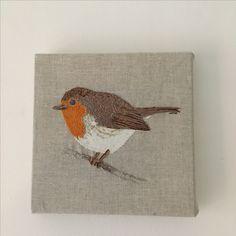 Hand embroidery and appliqué Robin Redbreast. Embroidery Ideas, Hand Embroidery, Robin Redbreast, Robins, Bird Art, Pet Birds, Rooster, Applique, Textiles